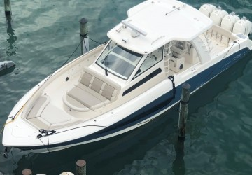 42' Boston Whaler 2020