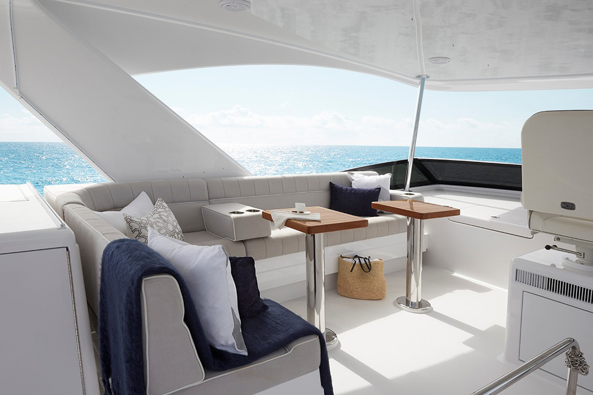 Hatteras M60 — Comfortable by Design