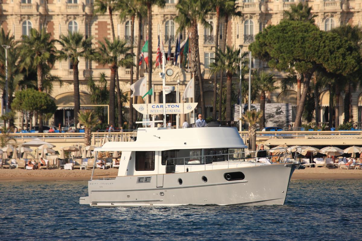 Beneteau Swift Trawler 44 — Swift and Balanced