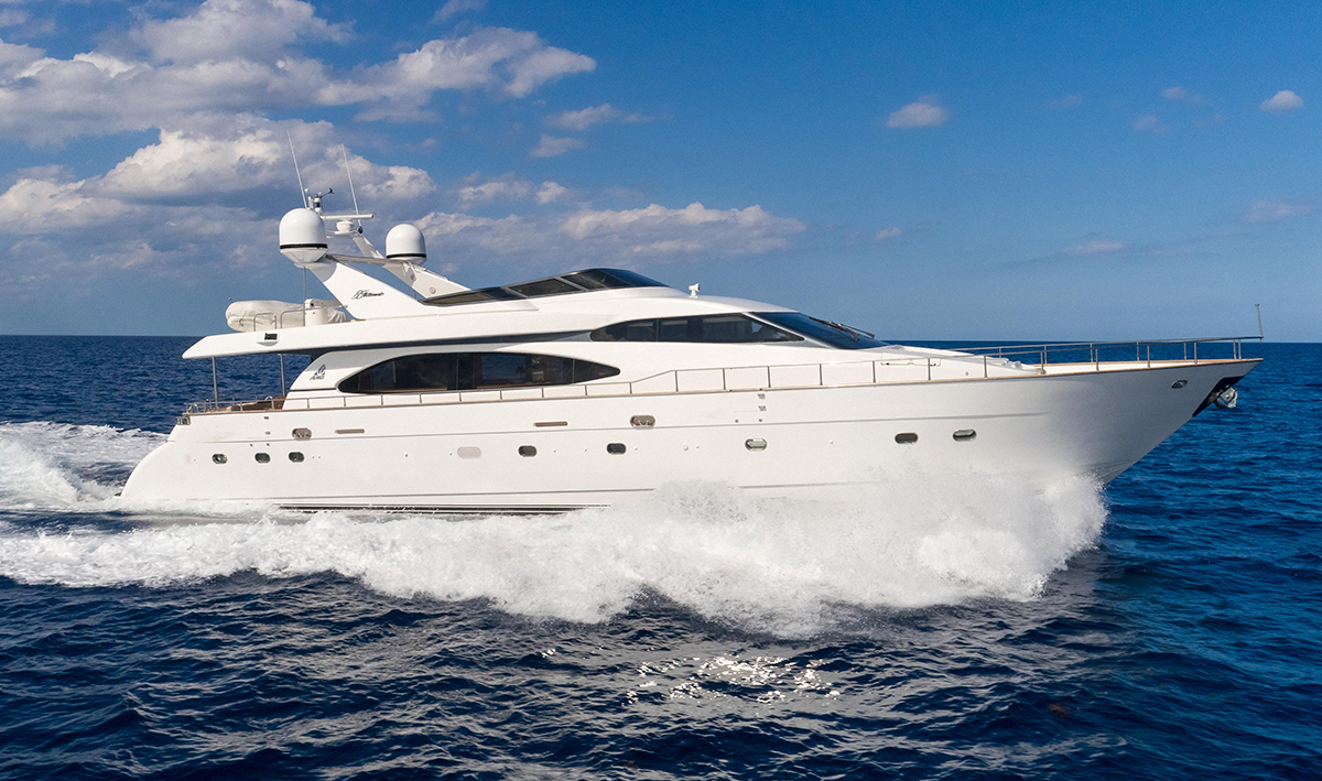 Yacht Review: Azimut 85 Ultimate