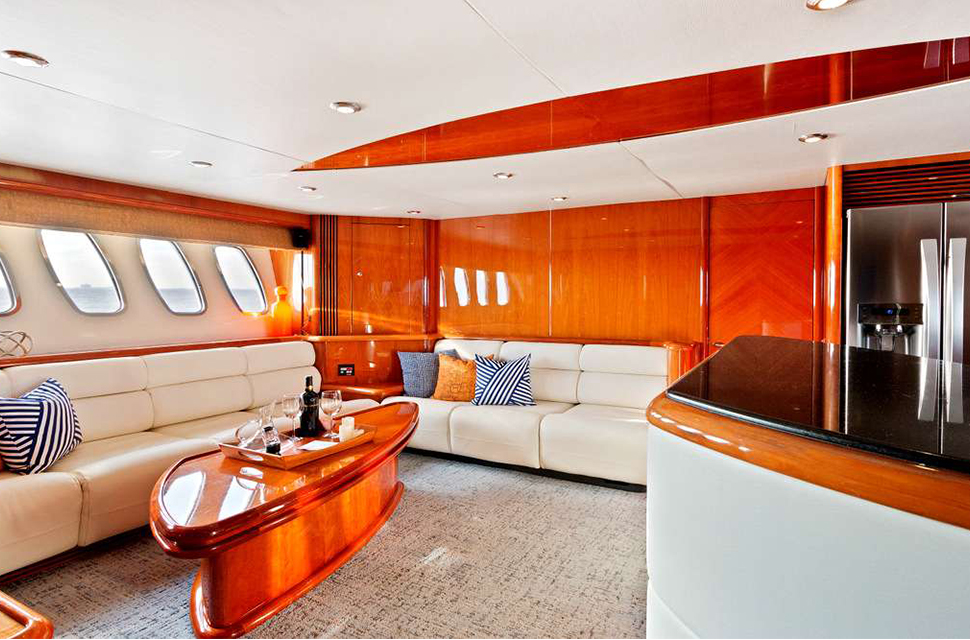 Luxury Yacht Charter: 95' Sunseeker |  PRIVÉE - photo 3