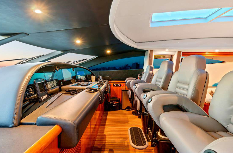 Luxury Yacht Charter: 95' Sunseeker |  PRIVÉE - photo 5