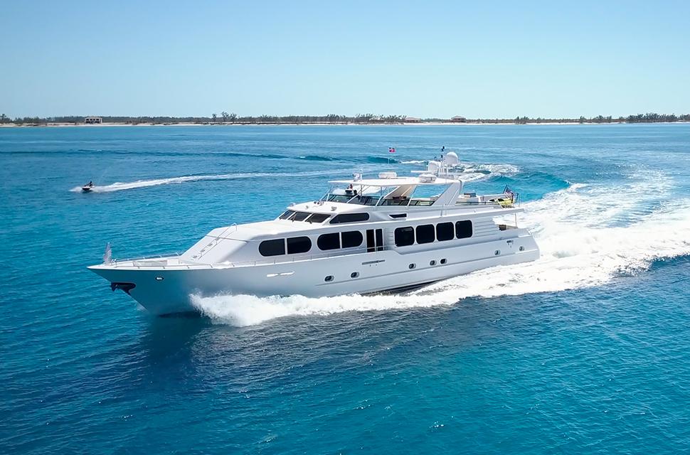 Luxury Yacht Rental: IL CAPO | 110' Broward Marine - photo 1