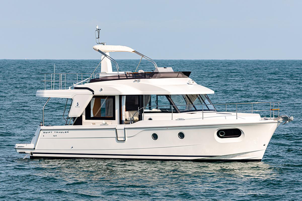 Beneteau Swift Trawler 41 —  Flybridge Profile