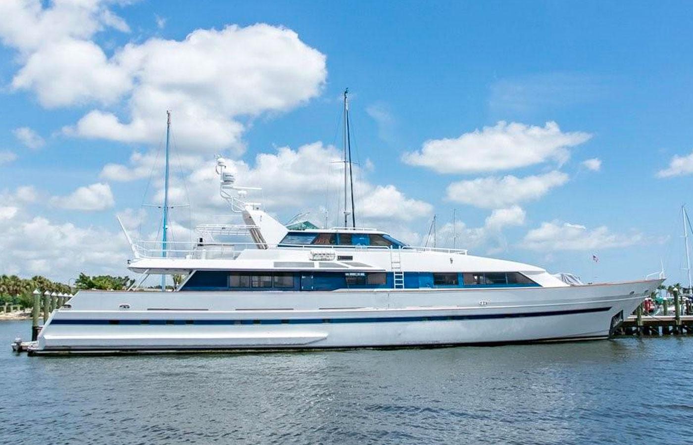125 Royal Huisman SALT DANCER Sold by Denison Yacht Sales