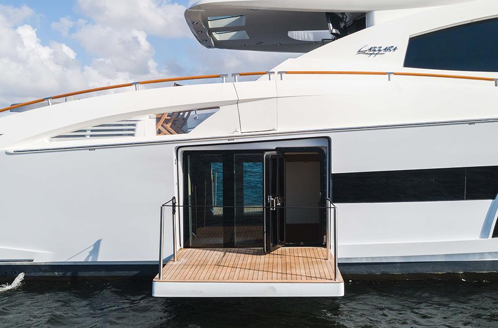 Luxury Yacht Charter: HELIOS | 92' Lazzara 2012 - photo 5